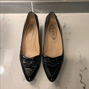 Tod's Black Patent Leather Pointed Pumps - Size 8
